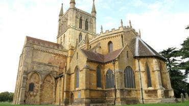 Водяные теплые полы в аббатстве Першор