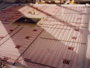 Подготовка стяжки при монтаже водяного теплого пола