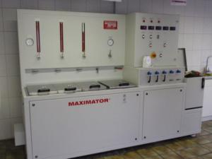 Фирменная установка «MAXIMATOR» для тестирования труб разных производителей